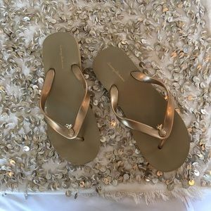 Tommy Bahama pineapple gold flip flops
